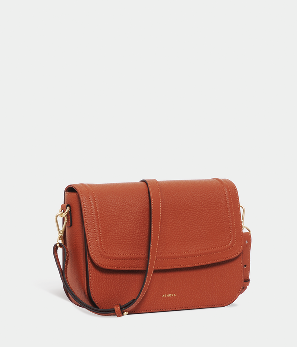 Sac Brigitte Couture Apple Skin grainé camel