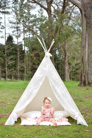 Plain Vintage Rose Lace Teepee