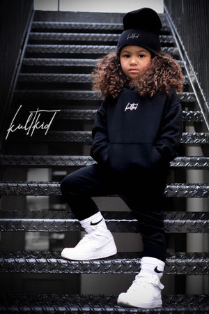 black oversized tracksuit for kids, children and baby. Best streetwear hoody and jogger co-ord set for kids.