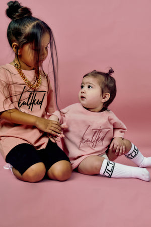 Oversized steetwear tshirt in pink for babies and infants.