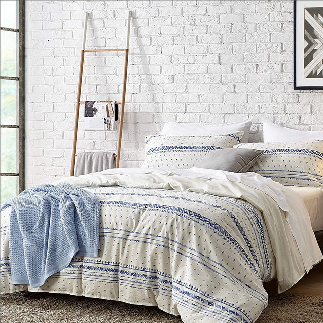 overview of the Bedsure 80% Cotton 20% Linen Duvet Cover Set, Washed Cotton Queen Comforter Cover
