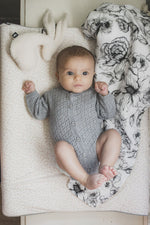 Swaddle 120x120 | bumble love