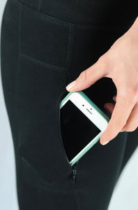 side pocket with zipper for phone storage