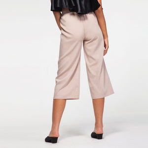Midi Pants in Beige