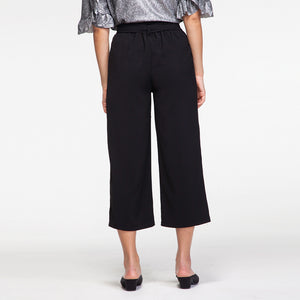 Midi Pants in Black