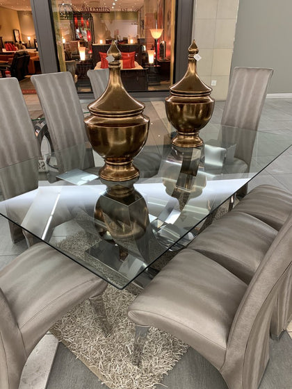 DINING ROOM - EXCLUSIVE IMPORTS