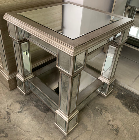 DAV 22 S Mirror Side Table