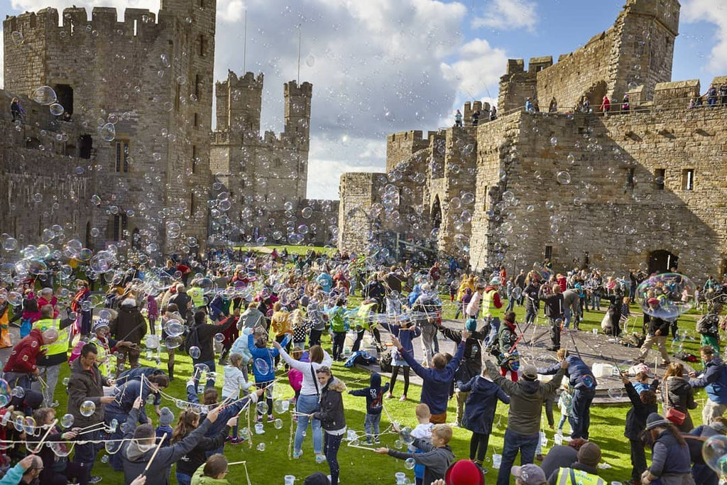Dr Zigs guinness world record of most giant bubbles ever made using our dr zigs bubble kits in caernarfon castle north wales brand advertising mass participation event