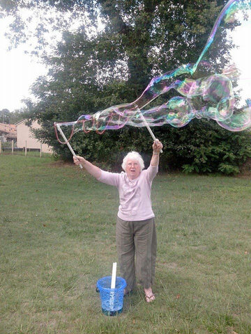 dementia alzheimers bubbles dr zigs people old elderly care home nurses therapy of bubbles sensory