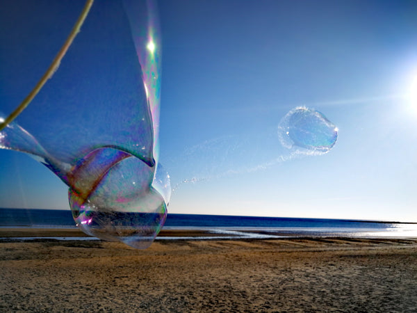 How to make Giant Bubbles in hot weather