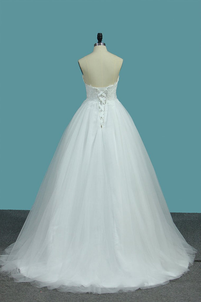 2021 A Line Sweetheart Tulle Wedding Dresses With Appliques Sweep/Brush Train