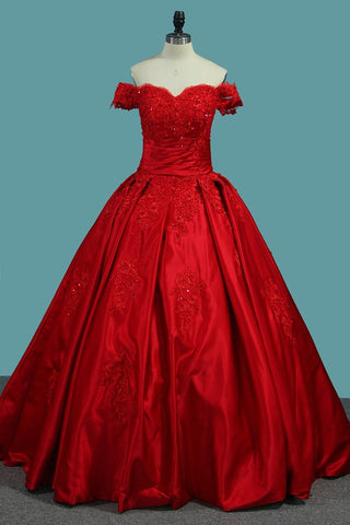 Off The Shoulder Satin Ball Gown Prom Dresses With Applique Sweep Train