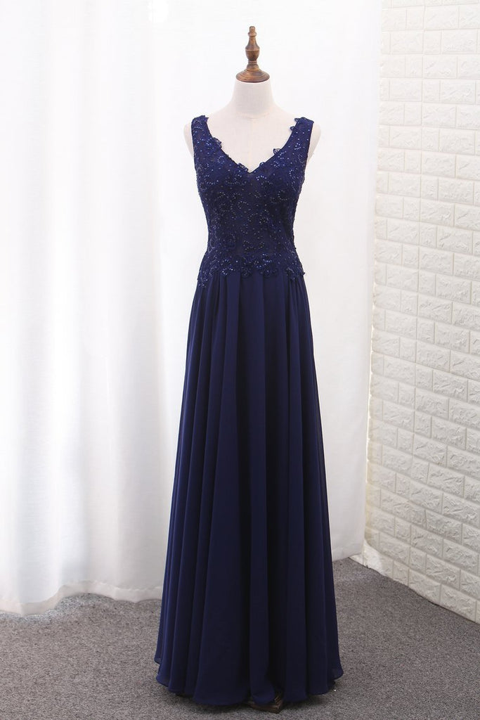 2019 V Neck Open Back Chiffon Prom Dresses With Applique And Beads