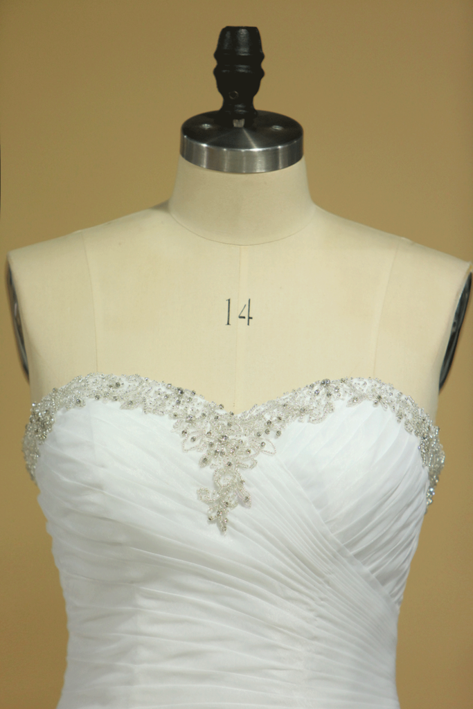 Plus Size Sweetheart Wedding Dresses Ruched Bodice Organza With Beading