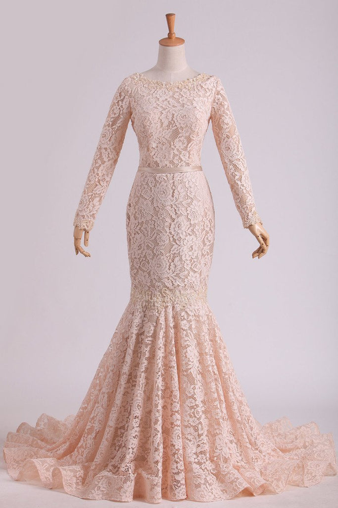 2019 Long Sleeves Wedding Dresses Scoop Lace With Sash Sweep Train Champagne
