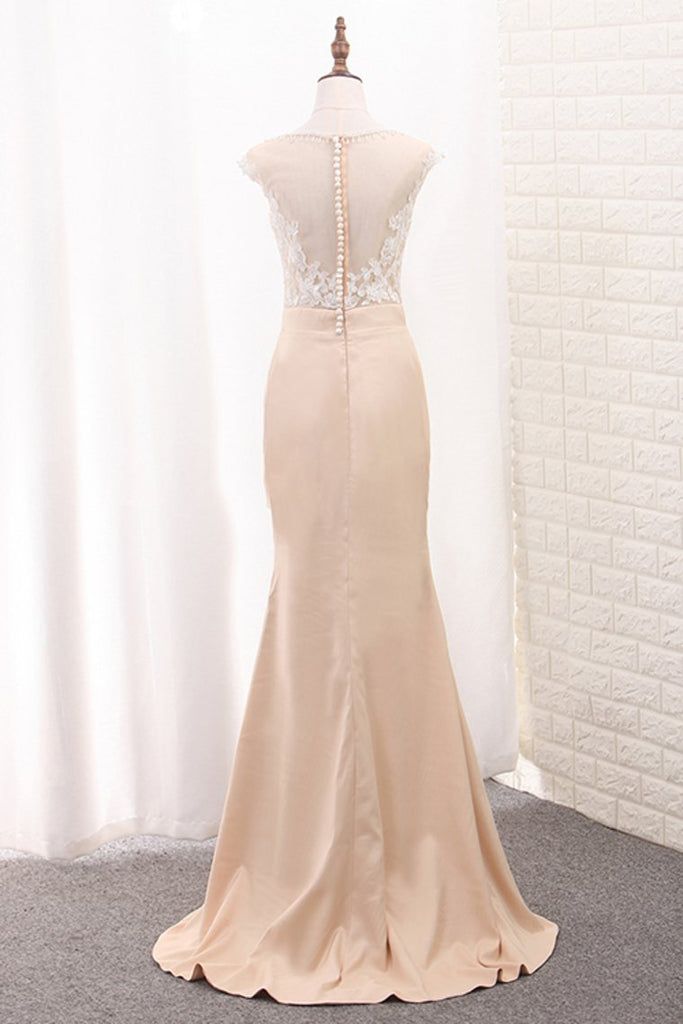 2019 Mermaid Scoop  Prom Dresses With Applique And Beads Sweep Train
