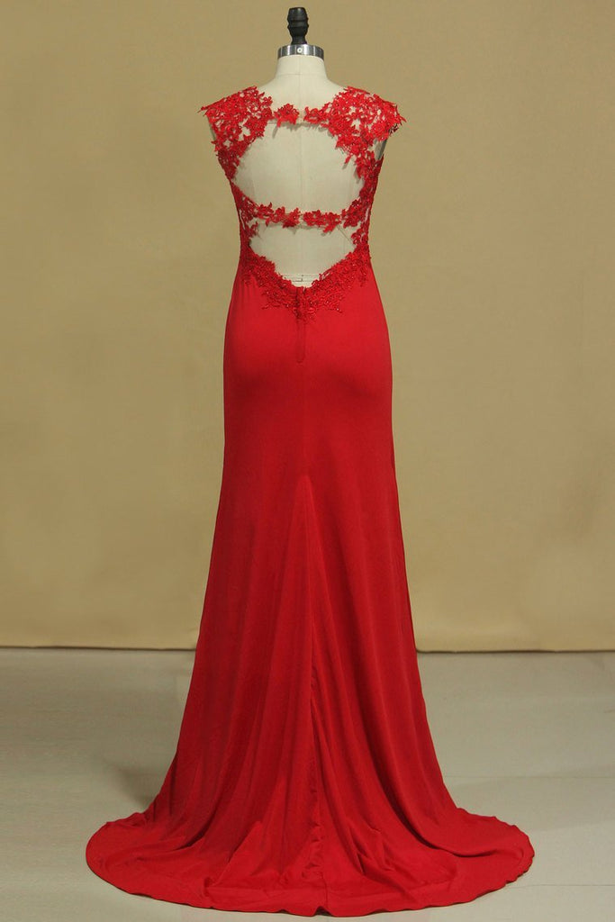 2019 Red Straps Open Back Sheath Prom Dresses Spandex With Applique Open Back