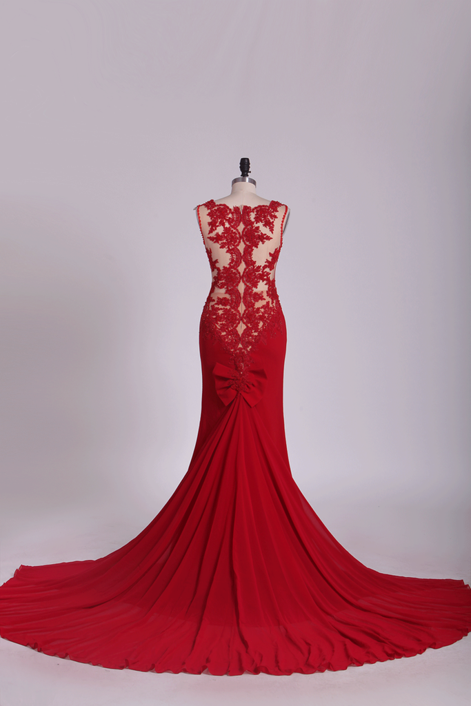 2019 Spandex V Neck Sheath Evening Dresses With Applique And Bow Knot Court Train