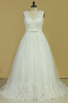 2019 Plus Size V-Neck Wedding Dresses A-Line Court Train Tulle With Applique & Belt Covered Button