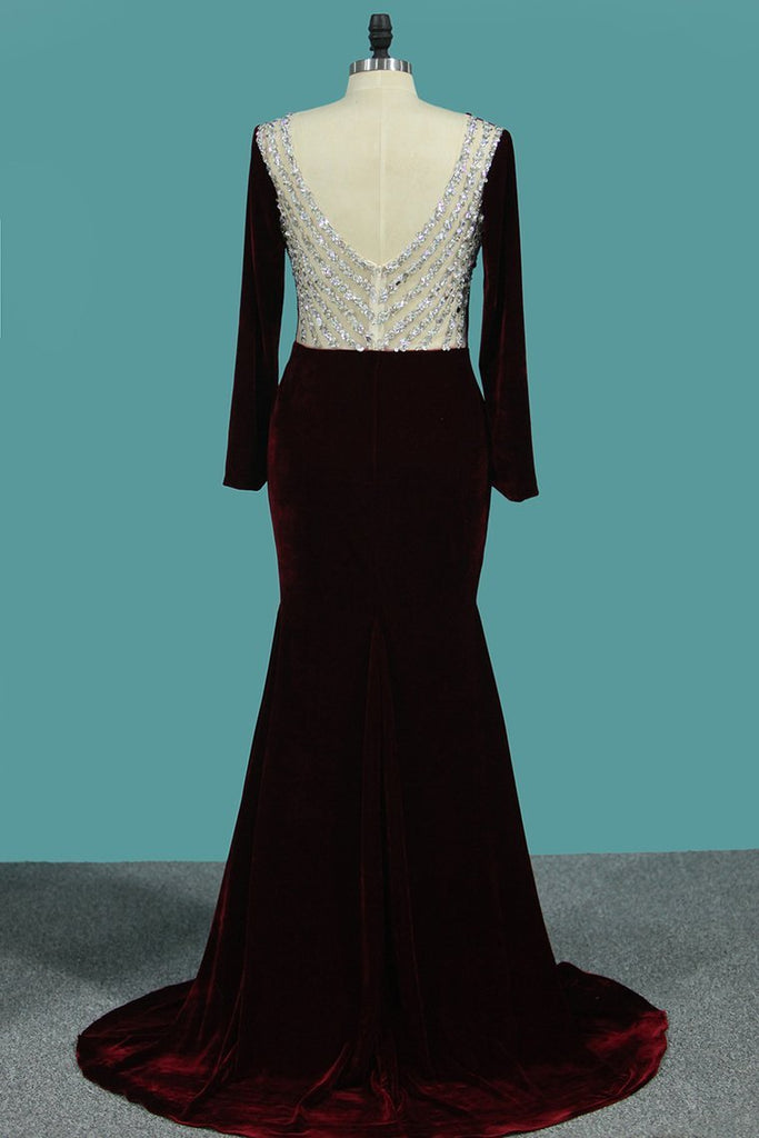 Prom Dresses Scoop Long Sleeves Mermaid Velvet With Beading
