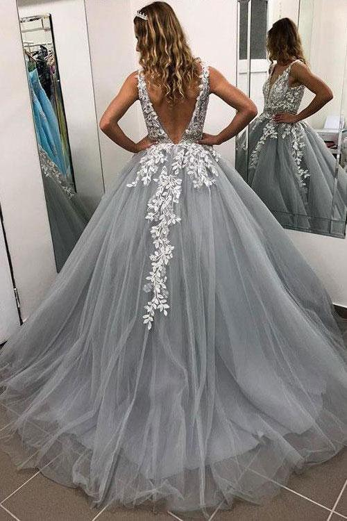 Ball Gown Gray V Neck Prom Dresses with Lace Appliques Quinceanera Dresses JS684