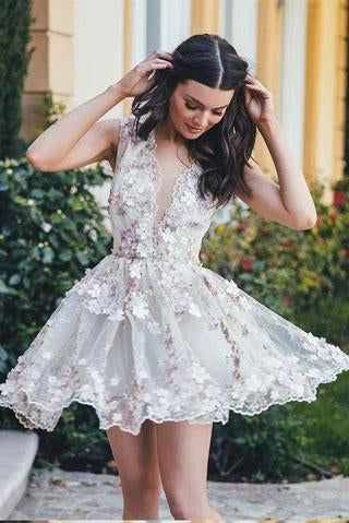 Chic Lace Appliques Short Mini Homecoming Dresses Princess See Through Party Dress H1304