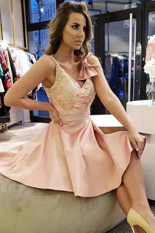 Vintage Pink Spaghetti Straps Satin V Neck Short Homecoming Dresses with Lace H1144