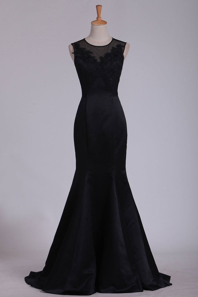 New Arrival Evening Dresses Scoop Mermaid Satin With Applique Sweep Train