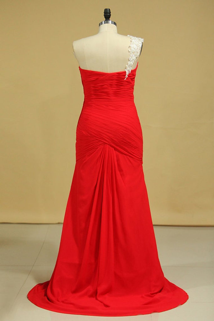 Red One Shoulder Pleated Bodice Sheath Evening Dress Chiffon With Applique