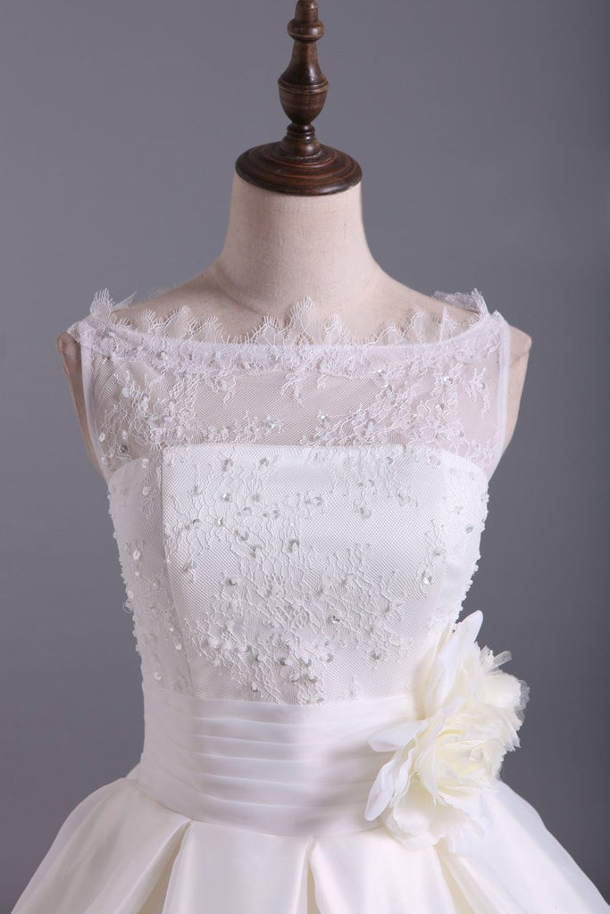 2019 Romantic Lace Bodice A Line Wedding Dress Pick Up Organza Skirt Cathedral Train With Flower