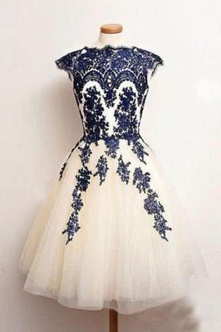 Vintage Scalloped-Edge Knee-Length White Homecoming Dress with Navy Blue Appliques JS487