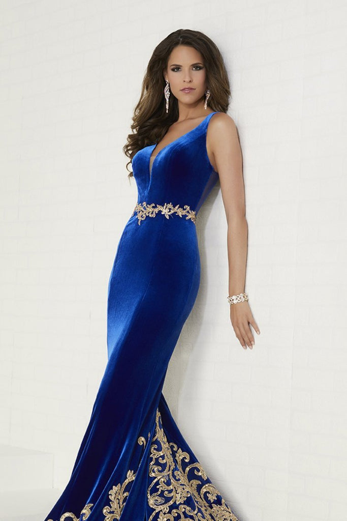 Velvet Evening Dresses V Neck Mermaid With Applique Sweep Train