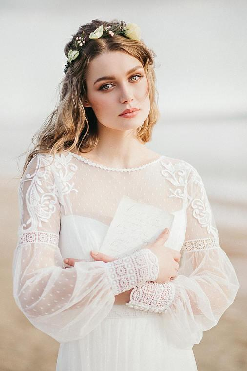 Elegant A Line See Through Long Sleeve Lace Appliques Ivory Beach Wedding Dresses JS873