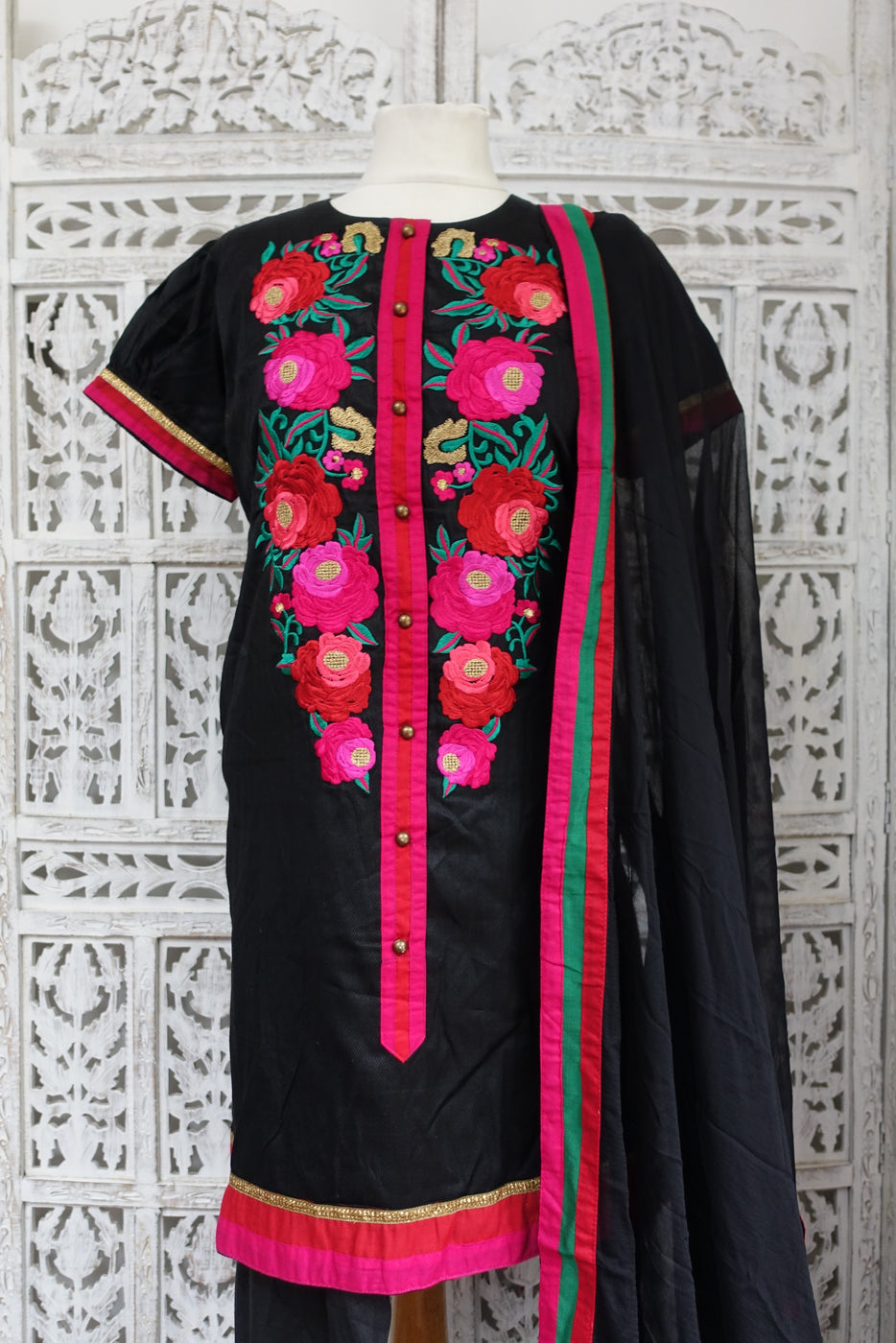 Black Embroidered Churidaar Suit - UK 14 / EU 40 - Preloved - Indian Suit Company