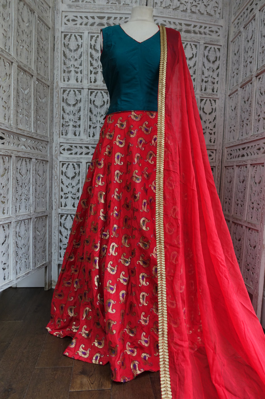Teal & Red Silk Lengha - UK Size 12 / EU Size 38 - Preloved - Indian Suit Company