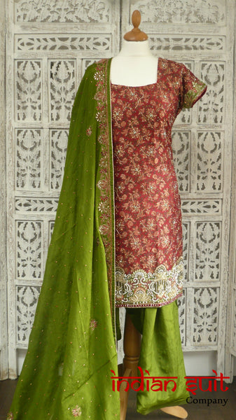Red banarsi brocade and mehndi green silk salwar kameez - UK Size 10/EU Size 36- Preloved