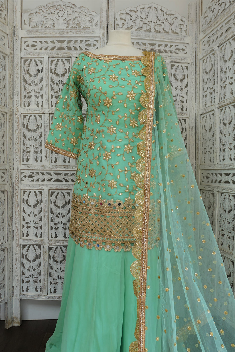Mint Green Ghaghara - UK 16 / EU 42 - Preloved - Indian Suit Company