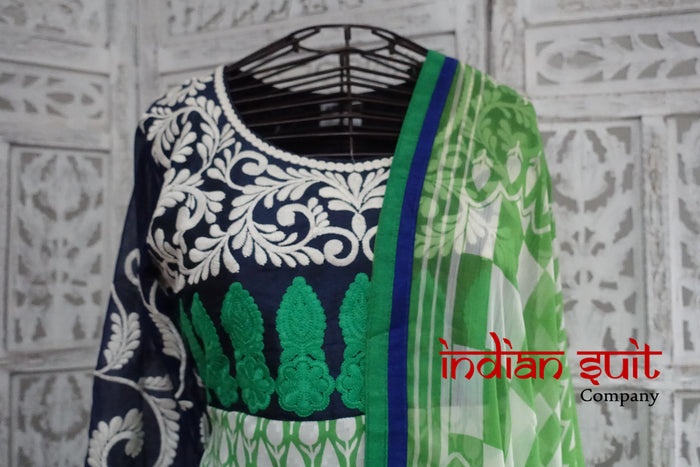 Green Churidaar Kameez Suit - UK 8 / EU 34 - New - Indian Suit Company