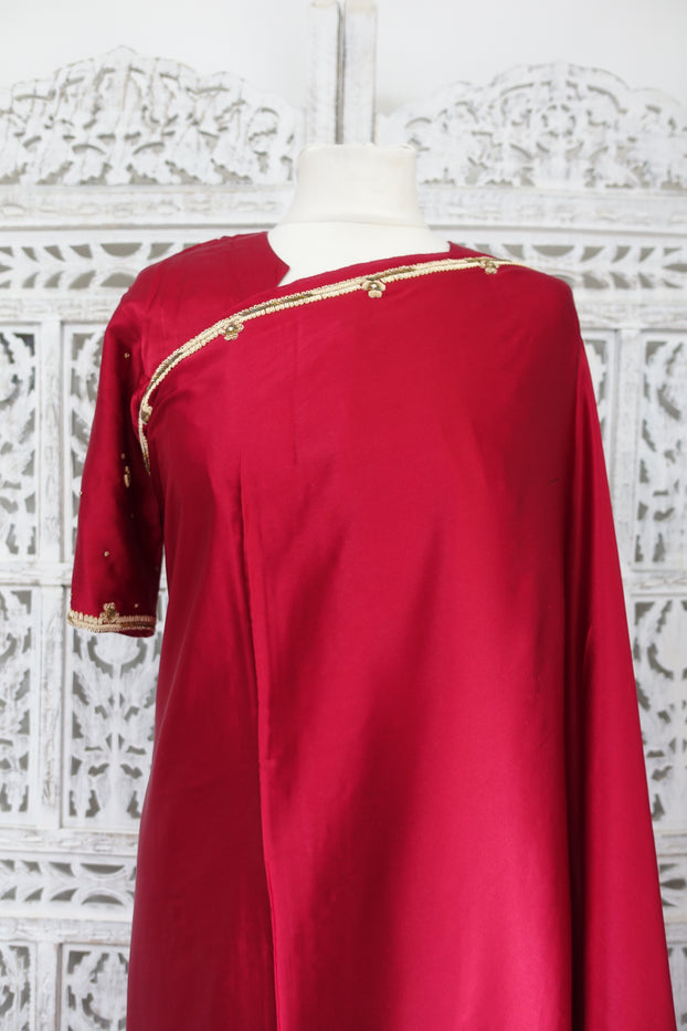 Red Brushed Sateen Silk Sari + 41€Ͽ½ Blouse - New - Indian Suit Company