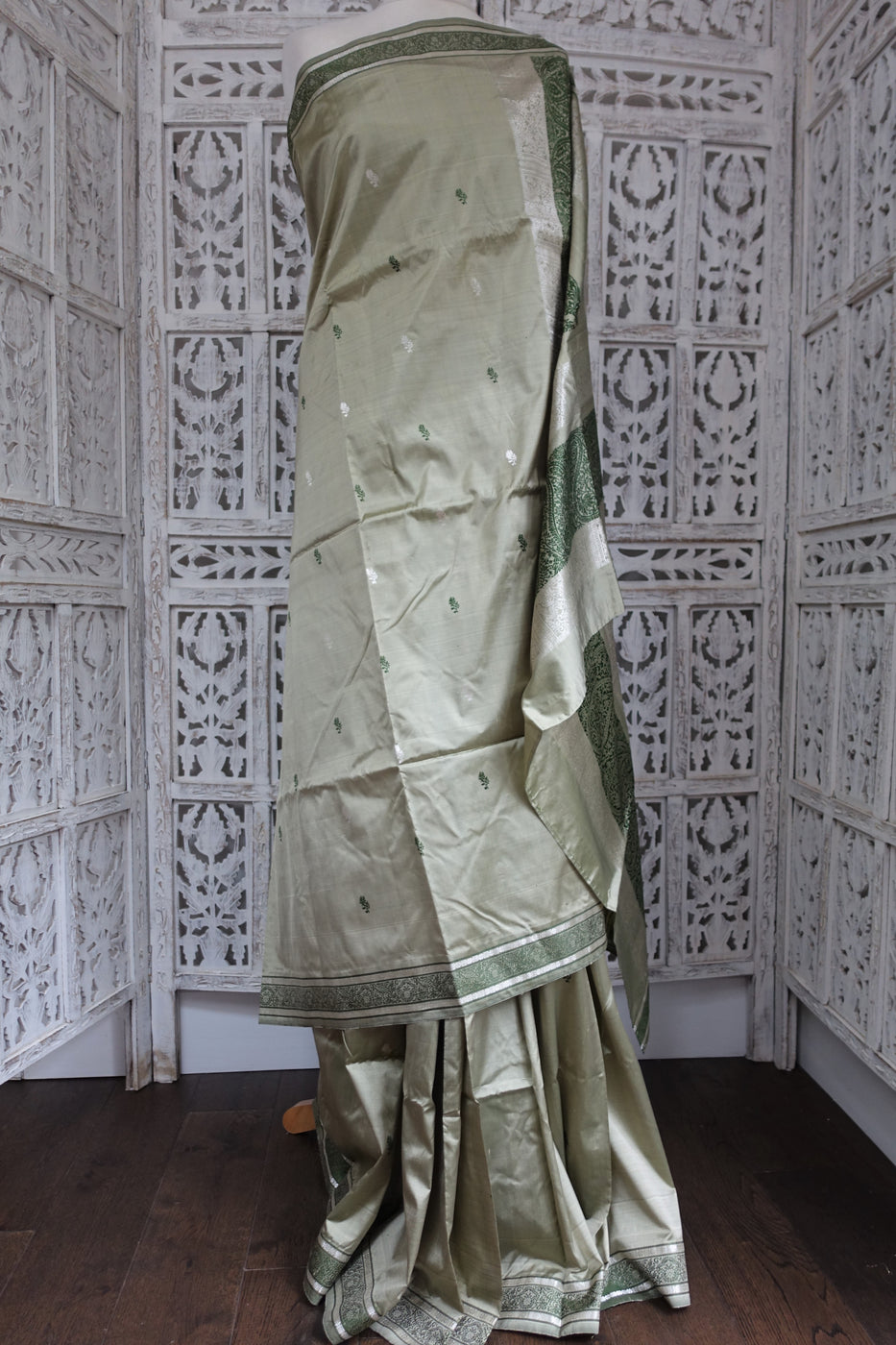 Sage Green Pure Silk Sari with blouse fabric - new