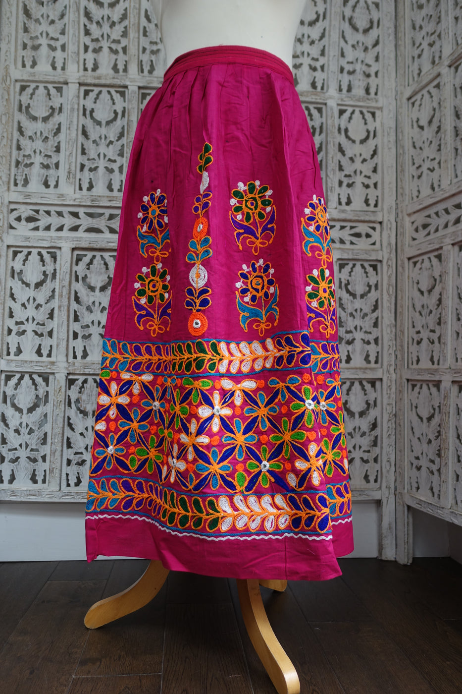 sk17234 pink cotton traditional skirt some marks elastic perished - Indian Suit Company