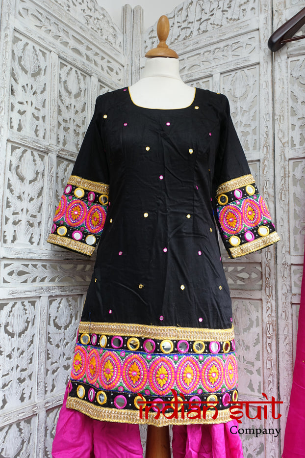 Black & Pink Mirror Salwar Kameez - UK 8 / EU 34 - Preloved - Indian Suit Company
