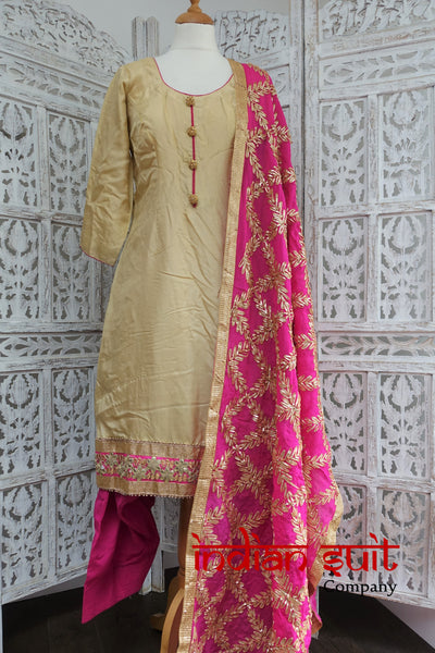 Cream Silk Crepe Gota Worked Salwar Kameez- UK 12 / EU 38 - New - Indian Suit Company