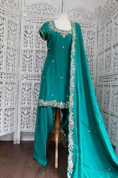 Emerald Green Silk Salwar Kameez UK 12 / EU 38 - Preloved - Indian Suit Company