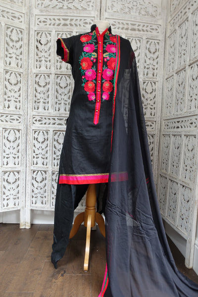 Black Cotton Embroidered Salwar Kameez - UK 14 / EU 40 - Preloved - Indian Suit Company