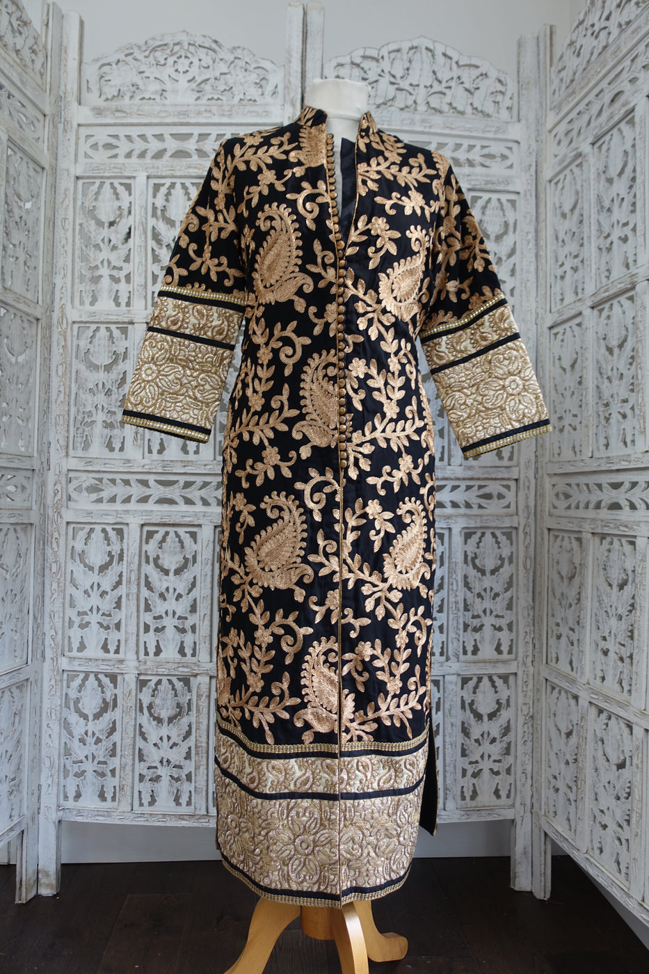 Black coat embroidered kameez - UK 12/ EU 38 - preloved - Indian Suit Company