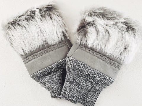 Fuzzy fingerless gloves in grey