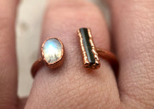Load image into Gallery viewer, MOONSTONE & TOURMALINE ADJUSTABLE COPPER RING