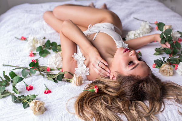 Sexy boudoir photoshoots with Taylor