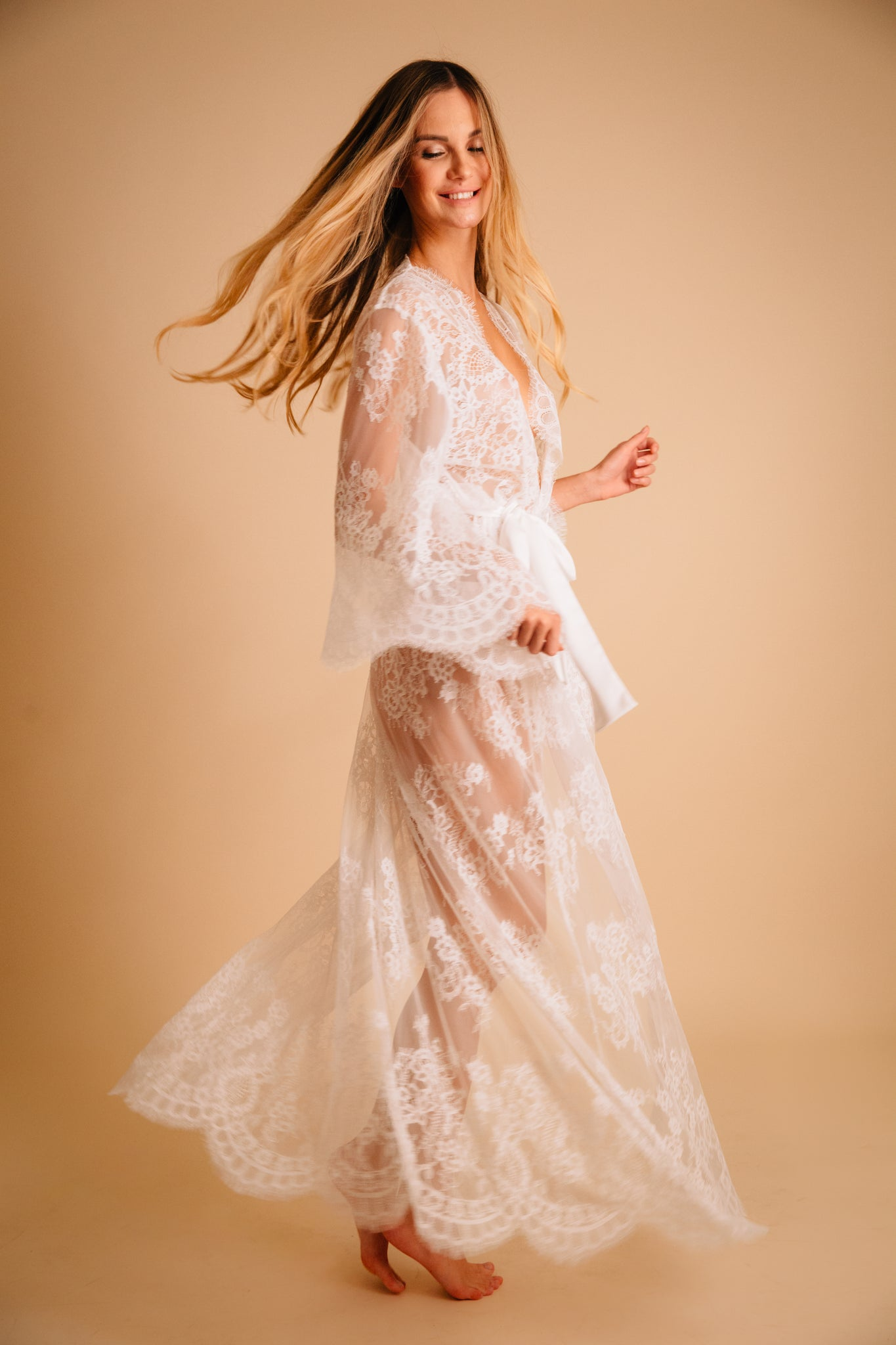 Bridal lace robe